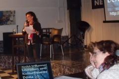 2. Natascha bei der Begrüßung, rechts Myreia