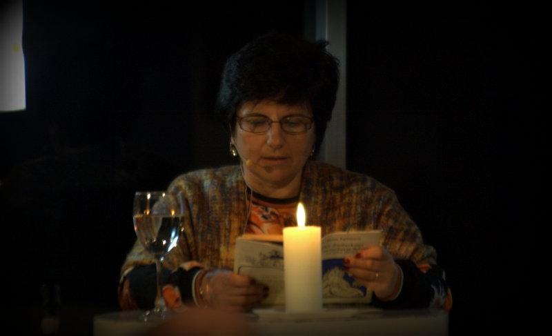 06a. Dr. Gabriela Sonnenberg las sehr poetisch geschriebenes Märchen,