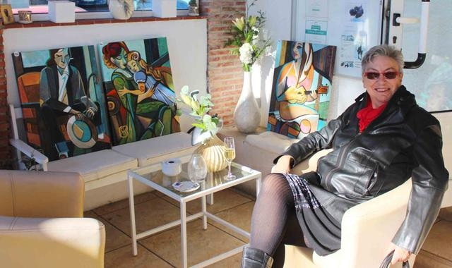 04_ Auch diese 3 kubistischen Bilder  der vielseitigen Ku__nstlerin fanden Begeisterung