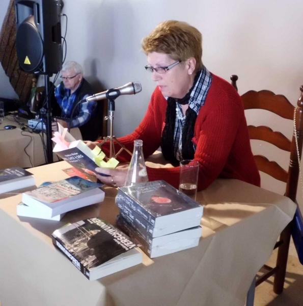 Autorin Heidrun Buecker, Hintergrund Tontechniker Pit