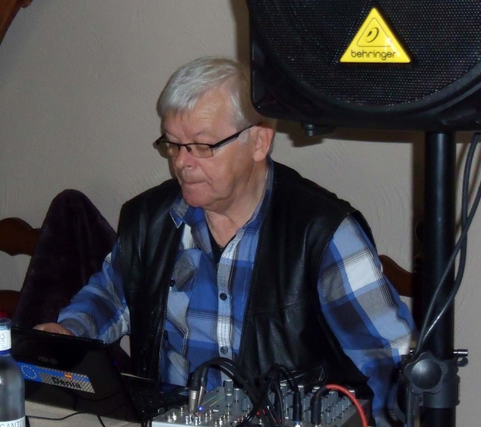 DJ PartyPit