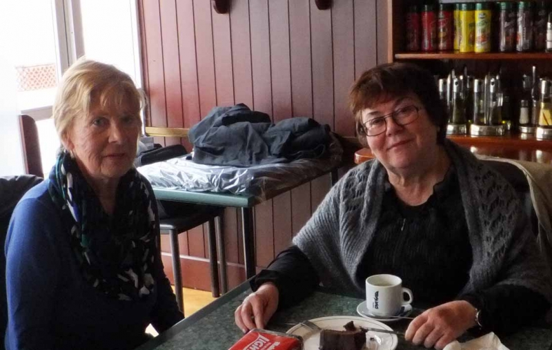 09. Zwei Damen, die man auf vielen Kulturevents trifft