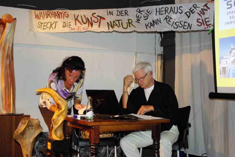 01.Volker und Natascha bei der Vorbereitung.