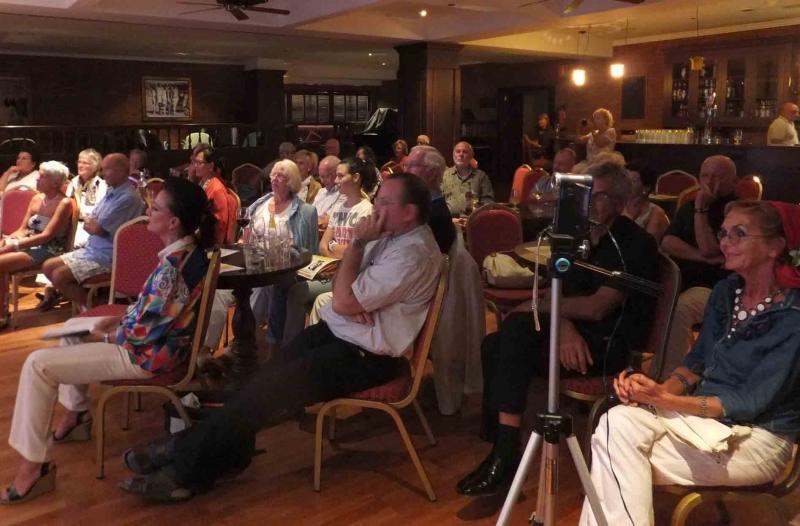 01. Fantastisches, aufgeschlossenes Publikum am 24. 09. 2012
