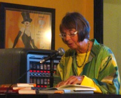 8. Hella Hahn begeistert mit eigenen Gedichten