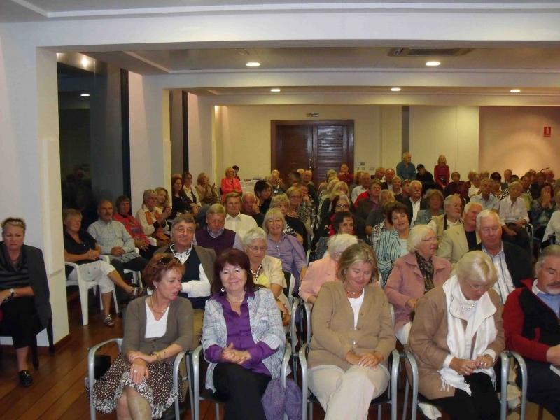 04. Aufgeschlossene Publikum im Club Nautico Denia.