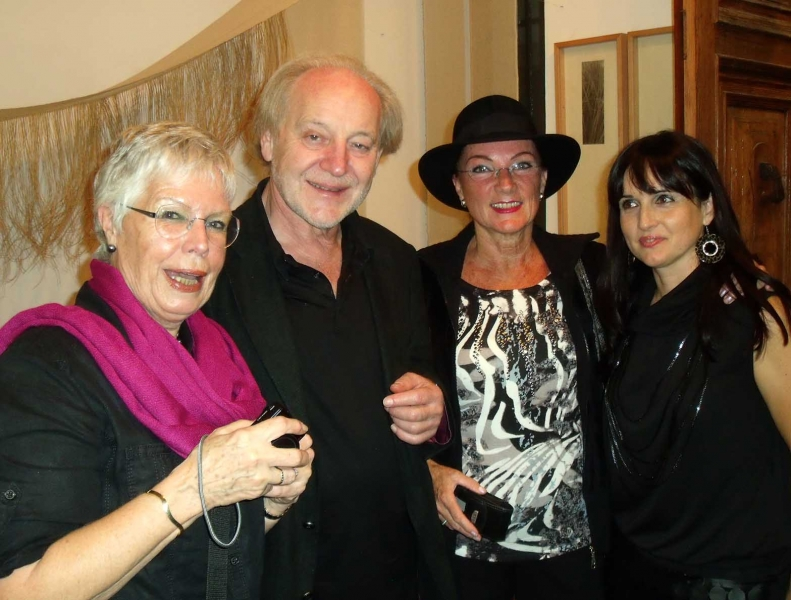 11. von  li. C.& L. Groenendijk, Natascha und huebsche Besucherin