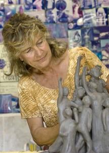 Verena Eichenberger mit Keramik